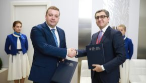 roscongress-foundationand-azerbaijan-export-sign-agrement